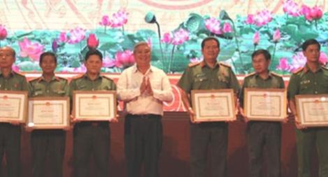 Khen thưởng 46 tập thể, cá nhân xuất sắc thực hiện mô hình Đội CNXK