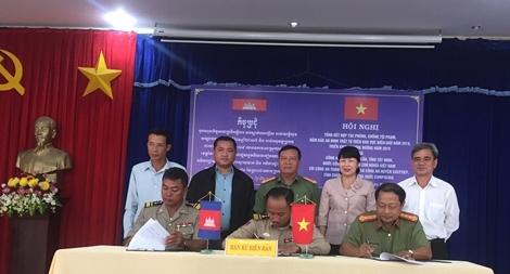 Công an huyện Bến Cầu và Công an TP Bavet hợp tác phòng chống tội phạm