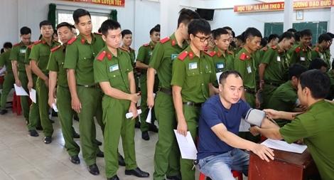 Gần 300 Cảnh sát hiến máu nghĩa tình vì đồng đội thân yêu