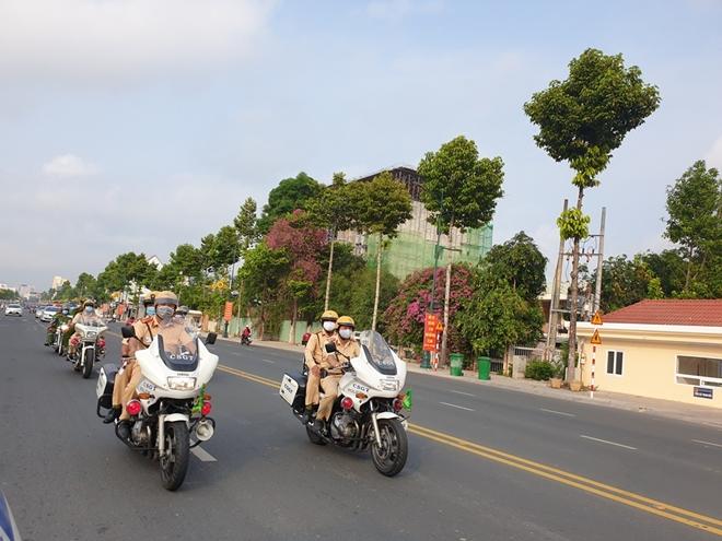 Công an các tỉnh ra quân tổng kiểm soát phương tiện đường bộ - Ảnh minh hoạ 14
