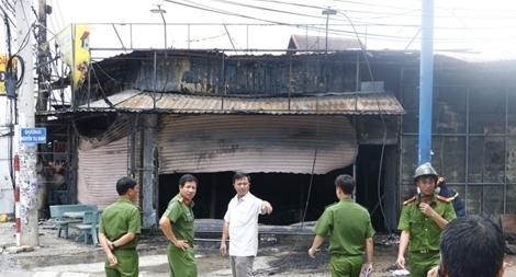 Cháy lớn tiệm cầm đồ, 3 người tử vong