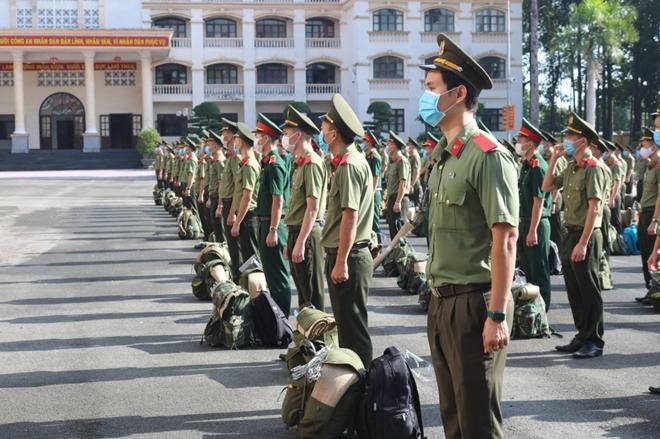 Bộ Công an chi viện 150 học viên hỗ trợ Bình Dương, Long An phòng, chống dịch