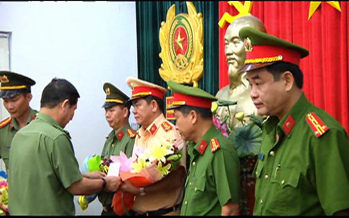 Khen thưởng 5 đơn vị có thành tích đảm bảo an ninh trật tự trong dịp Tết