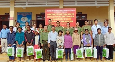 Bệnh viện 199 khám bệnh, cấp phát thuốc miễn phí cho người dân vùng biên giới Quảng Nam