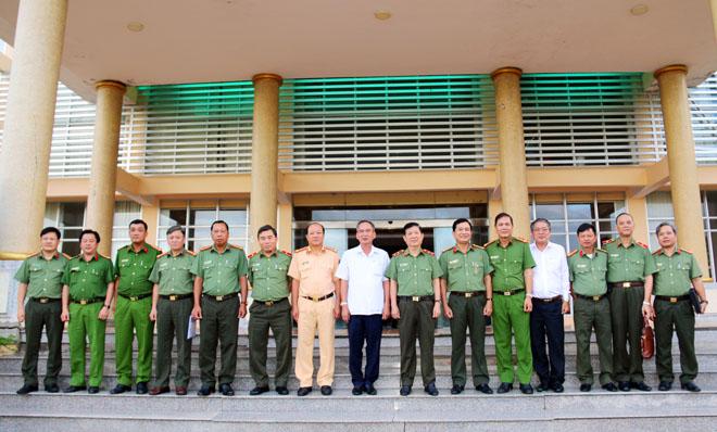 Thứ trưởng Nguyễn Văn Sơn kiểm tra công tác tại Công an tỉnh Hậu Giang - Ảnh minh hoạ 3