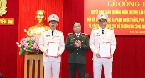 Công bố các quyết định về công tác cán bộ của Công an tỉnh Yên Bái