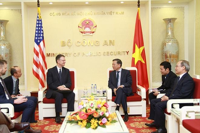 Bộ trưởng Tô Lâm và Đại sứ Daniel Kritenbrink tại buổi tiếp.