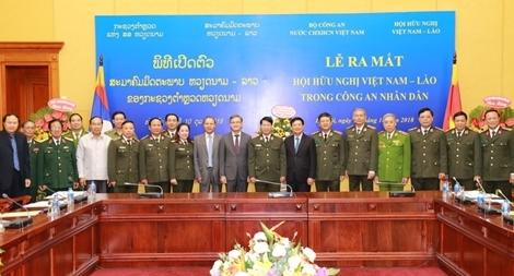 Ra mắt Hội Hữu nghị Việt Nam – Lào trong Công an nhân dân
