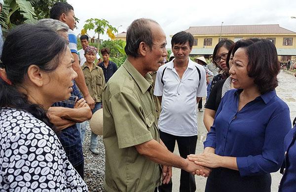 Lãnh đạo tỉnh Quảng Ninh thăm hỏi gia đình nạn nhân.
