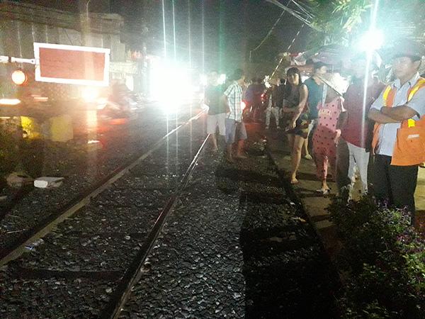 Đứng vệ sinh bên đường ray xe lửa, người đàn ông bị tàu cán tử vong