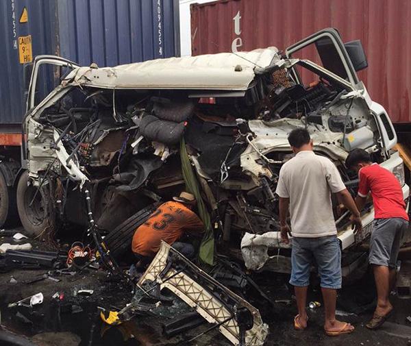 Làm gì để tránh gặp tai nạn giao thông do xe container gây ra