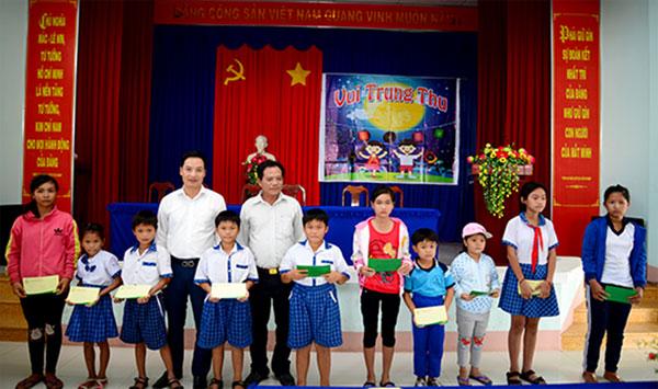 Tập đoàn Quốc tế Năm Sao với Tết Trung thu cho trẻ em nghèo