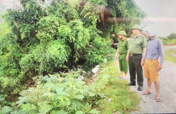 Lực lượng CAND bám địa bàn, giúp nhân dân trong mưa lũ