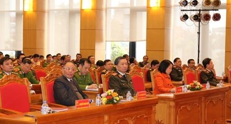 Đẩy mạnh học tập và làm theo tấm gương đạo đức Chủ tịch Hồ Chí Minh
