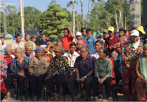 Trao hơn 300 phần quà Tết cho người dân tỉnh Bình Phước