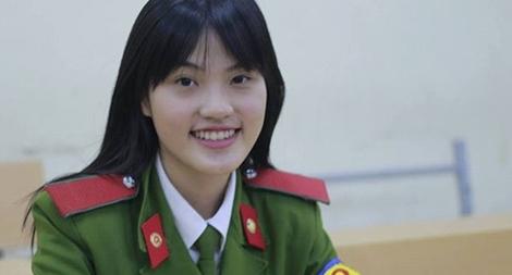 """Nữ sinh viên Cảnh sát """"5 tốt"""" Hà Kiều Trang"""