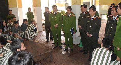 Thứ trưởng Nguyễn Văn Sơn kiểm tra công tác tại Trại tạm giam số 1, CATP Hà Nội