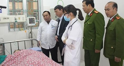 Thăm hỏi, động viên gia đình nạn nhân vụ trọng án tại huyện Bảo Lạc
