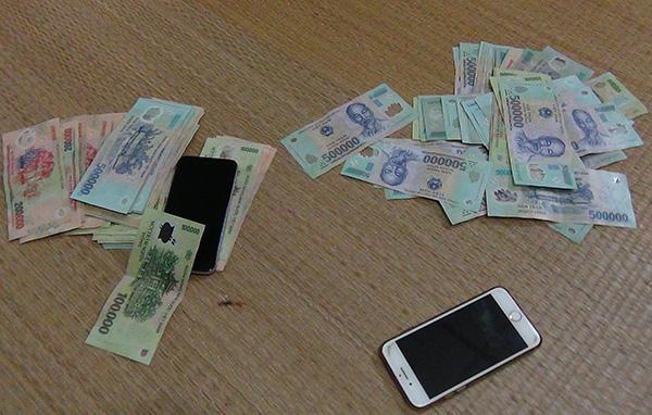 Hiện cơ quan Cảnh sát điều tra Công an tỉnh Kiên Giang đang tạm giữ các đối tượng và tạng vật để tiếp tục điều tra làm rõ.