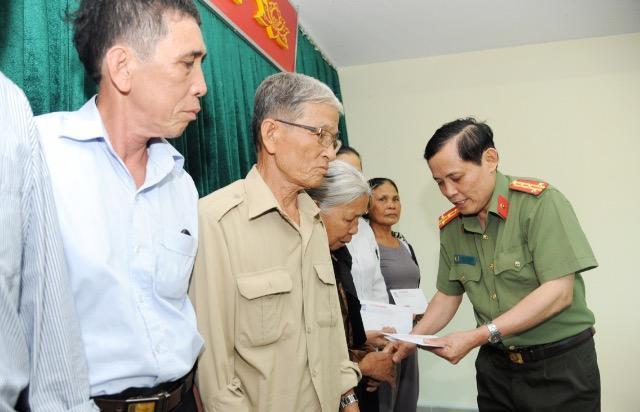 Báo CAND tri ân các gia đình thương binh liệt sĩ trong hành trình về nguồn - Ảnh minh hoạ 3