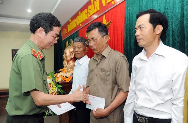 Báo CAND tri ân các gia đình thương binh liệt sĩ trong hành trình về nguồn - Ảnh minh hoạ 2