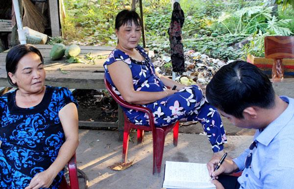 Người dân tham gia chơi hụi tại xã Hòa Lộc, huyện Mỏ Cày Bắc, tỉnh Bến Tre trình bày với PV Báo CAND.