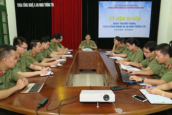 Phát huy vai trò của đội ngũ nhà giáo CAND trong xây dựng lực lượng Công an đủ phẩm chất, năng lực và uy tín, ngang tầm nhiệm vụ