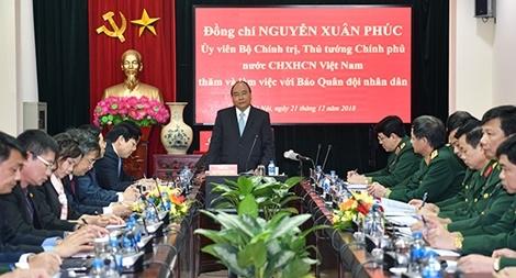 Thủ tướng thăm Báo Quân đội nhân dân