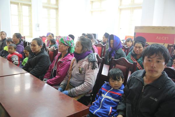 200 suất quà Tết sớm đến với đồng bào nghèo tỉnh Lào Cai - Ảnh minh hoạ 2
