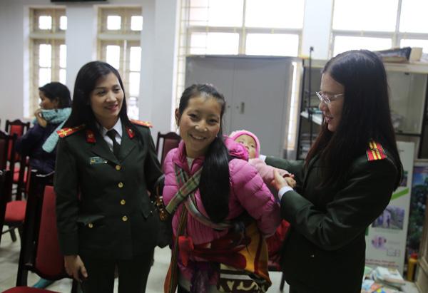 200 suất quà Tết sớm đến với đồng bào nghèo tỉnh Lào Cai - Ảnh minh hoạ 6
