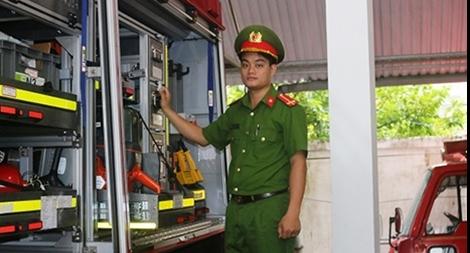 """Lính cứu hỏa - Người hùng trong """"bão lửa"""""""