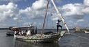 Hải trình 500km của chiếc thuyền buồm làm từ... nhựa tái chế