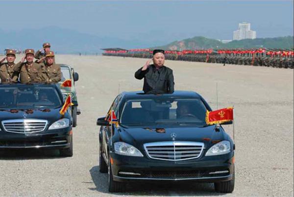 Chủ tịch Triều Tiên Kim Jong Un ưa chuộng dòng xe Mercedes-Benz.