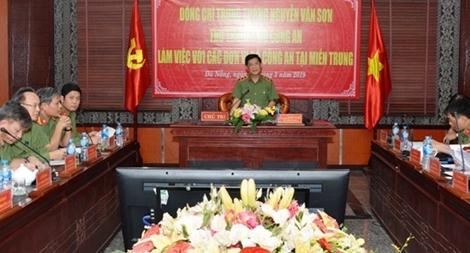 Thứ trưởng Nguyễn Văn Sơn kiểm tra công tác tại miền Trung