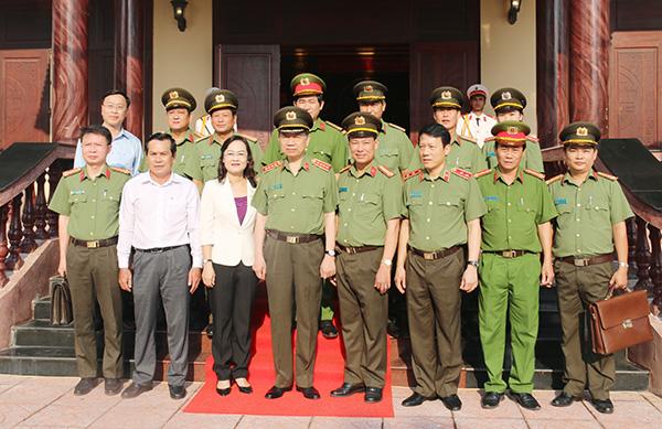 Bộ trưởng Tô Lâm kiểm tra công tác tại Công an tỉnh Bạc Liêu - Ảnh minh hoạ 6