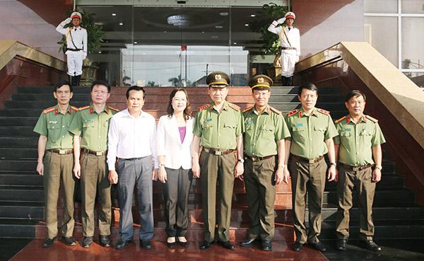 Bộ trưởng Tô Lâm kiểm tra công tác tại Công an tỉnh Bạc Liêu - Ảnh minh hoạ 7
