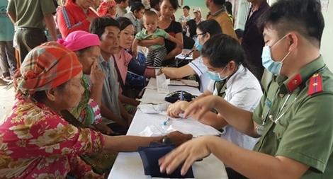 Khám chữa bệnh và tuyên truyền pháp luật cho người dân Quảng Hòa – Đắk Nông