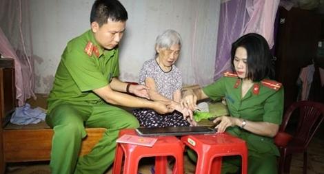 Tô thắm hình ảnh người chiến sỹ Công an quê Bác