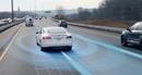 """Tính năng tự lái của Tesla khiến người dùng """"thót tim"""""""