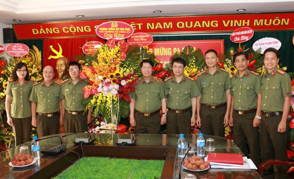 Thứ trưởng Bùi Văn Nam chúc mừng Báo chí CAND nhân Ngày Báo chí Cách mạng Việt Nam - Ảnh minh hoạ 3