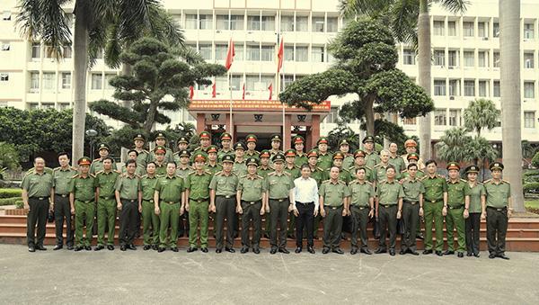 Bộ trưởng Tô Lâm làm việc với Công an tỉnh Quảng Ninh - Ảnh minh hoạ 4
