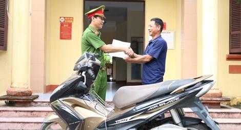 Công an Hà Nam trao trả tài sản cho người dân bị mất trộm