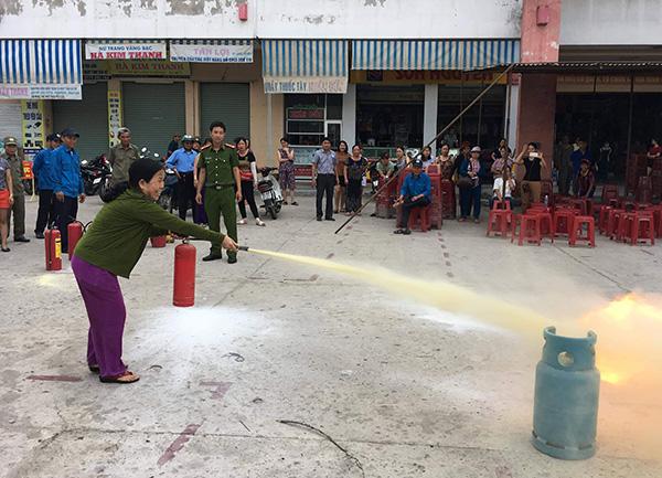 Công an Quảng Nam huấn luyện chữa cháy cho lực lượng tại chỗ