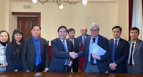 Đàm phán Hiệp định chuyển giao người bị kết án phạt tù giữa Việt Nam và Italia