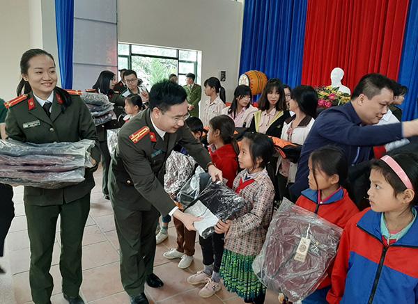 Công an tỉnh Lào Cai tổ chức chương trình