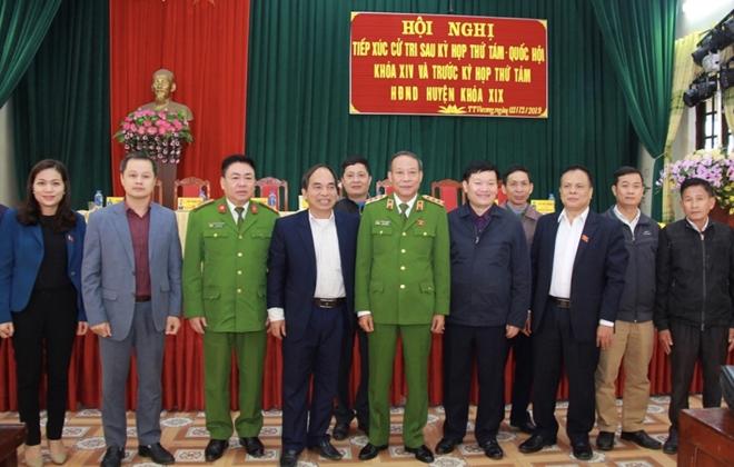 Thứ trưởng Lê Quý Vương tiếp xúc cử tri tại Hưng Yên