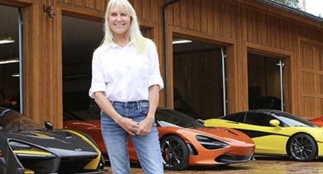 Thú đam mê siêu xe McLaren của một phụ nữ