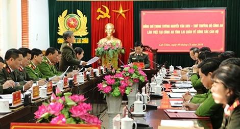 Thứ trưởng Nguyễn Văn Sơn kiểm tra công tác tại Công an tỉnh Lai Châu