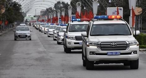Công an Thanh Hoá ra quân tuyên truyền, xử lý vi phạm trật tự ATGT