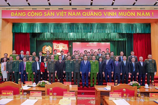 Bảo vệ tuyệt đối an ninh, an toàn Đại hội Đảng bộ các cấp, Đại hội Đảng toàn quốc lần thứ XIII và tổ chức thành công Đại hội Đảng bộ các cấp trong Công an là nhiệm vụ chính trị trọng tâm của lực lượng Công an